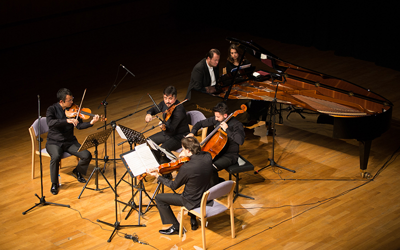 Borusan Quartet & Gökhan Aybulus