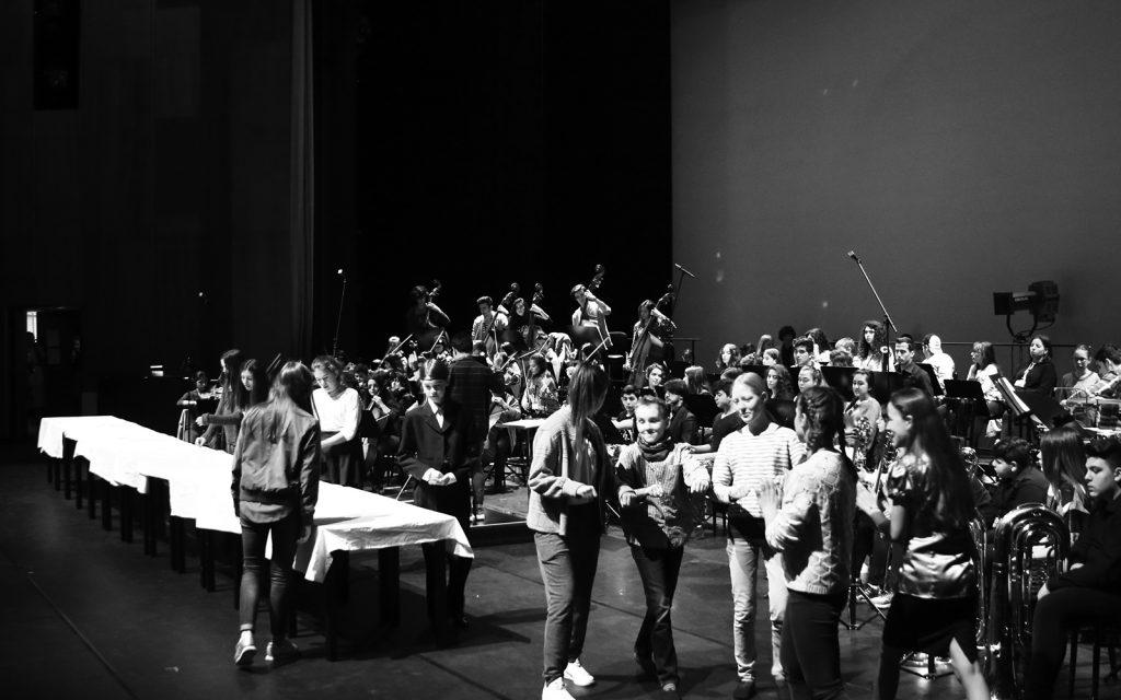 Leipzig Operası Çocuk Korosu & Barış için Müzik Gençlik Orkestrası ve Korosu